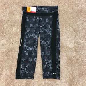 NWT Champion Knee Length Yoga Pant Leggings